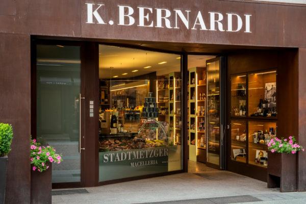Eingang zur Stadtmetzgerei K.BERNARDI in Bruneck